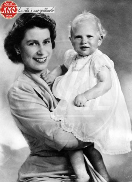 Principessa Anna d'Inghilterra, Regina Elisabetta II - Londra - 14-08-1951 - Dio salvi la regina: Elisabetta II compie 63 anni di regno