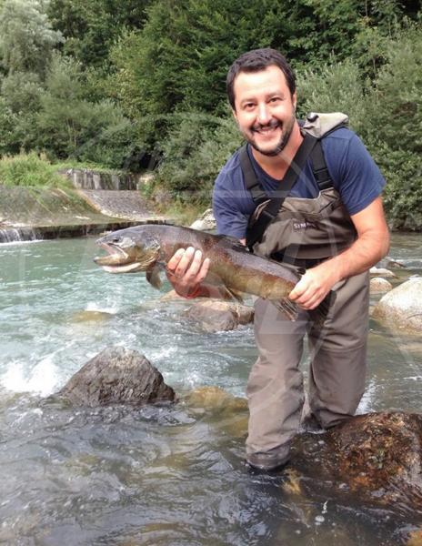 Matteo Salvini - Milano - 22-08-2015 -  Dillo con un tweet: che sex appeal Emma Marrone