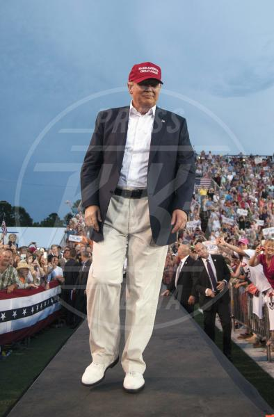 Donald Trump - Alabama - 21-08-2015 - Donald Trump supera Hillary Clinton, ma ha il Papa contro