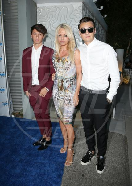 Dylan Jagger Lee, Brandon Thomas Lee, Pamela Anderson - Los Angeles - 30-08-2015 - Mamme in carriera: i figli sono la chiave del successo