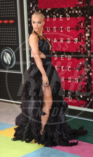 Rita Ora - Los Angeles - 30-08-2015 - Rita Ora l'Atomica: anche ai Grammy, lo spacco è la sua firma!
