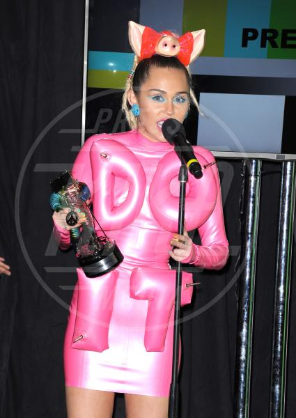 Miley Cyrus - Los Angeles - 30-08-2015 - Mtv Video Music Awards 2015: i vincitori