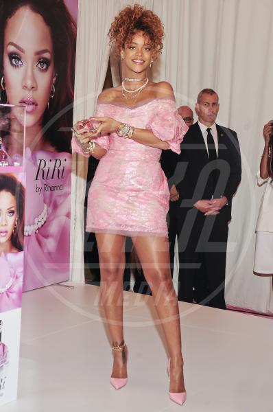 Rihanna - New York - 31-08-2015 - Le celebrity? Tutte romantiche belle in rosa!