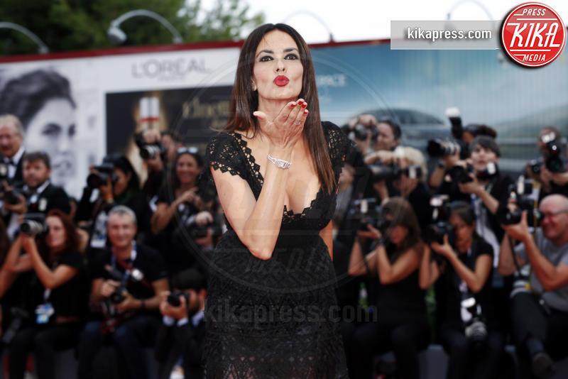 Maria Grazia Cucinotta - Venezia - 02-09-2015 - Festival di Venezia: Jake Gyllenhaal non lo batte nessuno.
