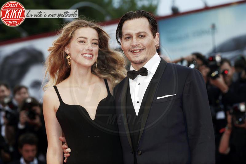 Amber Heard, Johnny Depp - Venezia - 04-09-2015 - Johnny Depp fa causa al The Sun per diffamazione