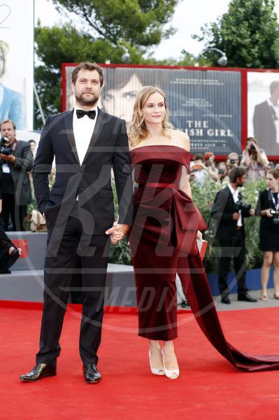 Diane Kruger, Joshua Jackson - Venezia - 04-09-2015 - Venezia 2015: quanto è gonfio Johnny Depp?