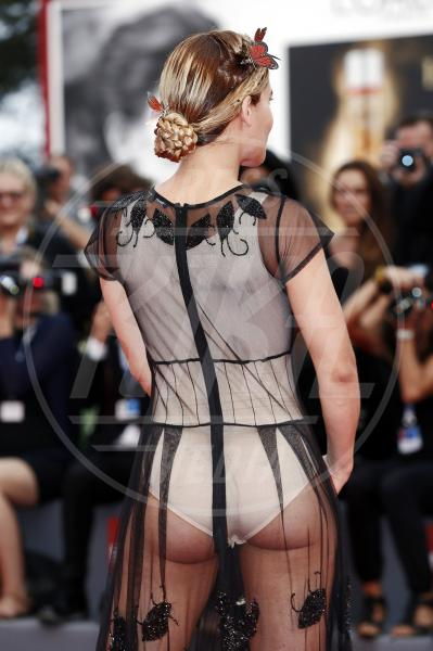 Ospite - Venezia - 04-09-2015 - Venezia 2015: quanto è gonfio Johnny Depp?