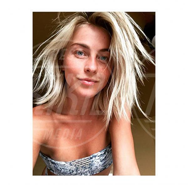 Julianne Hough - Los Angeles - 05-09-2015 - #nomakeupmovement: bellissime e senza trucco