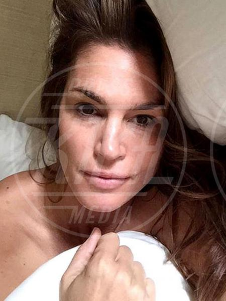 Cindy Crawford - Los Angeles - 05-09-2015 - #nomakeupmovement: bellissime e senza trucco