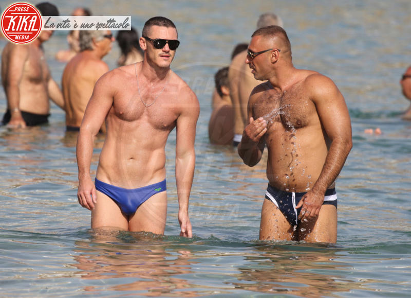 Luke Evans - Mykonos - 06-09-2015 - Coming Out Day: i coming out vip che hanno fatto la storia