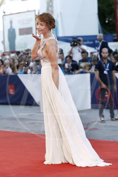 Cristiana Capotondi - Venezia - 07-09-2015 - Cristiana Capotondi, hot è la grappa per Di Padre in Figlia