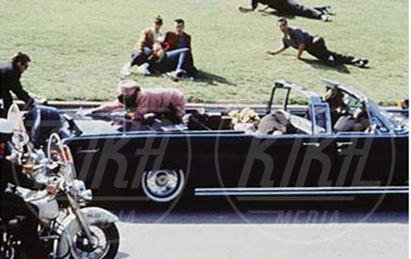 John Fitzgerald Kennedy - 08-09-2015 - James Franco torna nel passato per salvare JFK