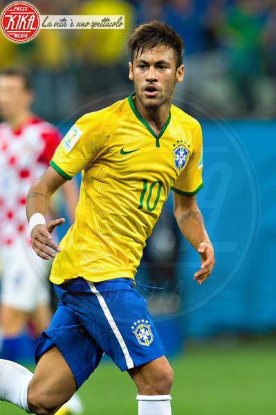Neymar - San Paolo - 12-06-2014 - Neymar conquista una bomba sexy. Rifatevi gli occhi