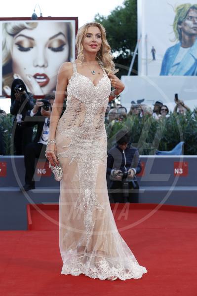Valeria Marini - Venezia - 08-09-2015 - Venezia 75: sotto il vestito poco, anche quest'anno!