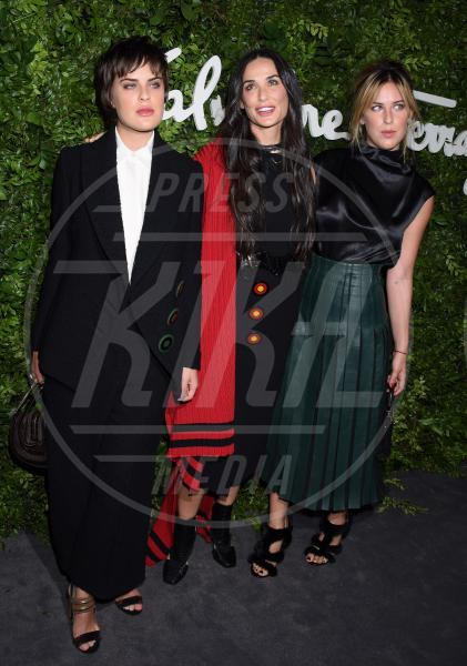 Tallulah Willis, Scout Willis, Demi Moore - Beverly Hills - 09-09-2015 - La vendetta della star: