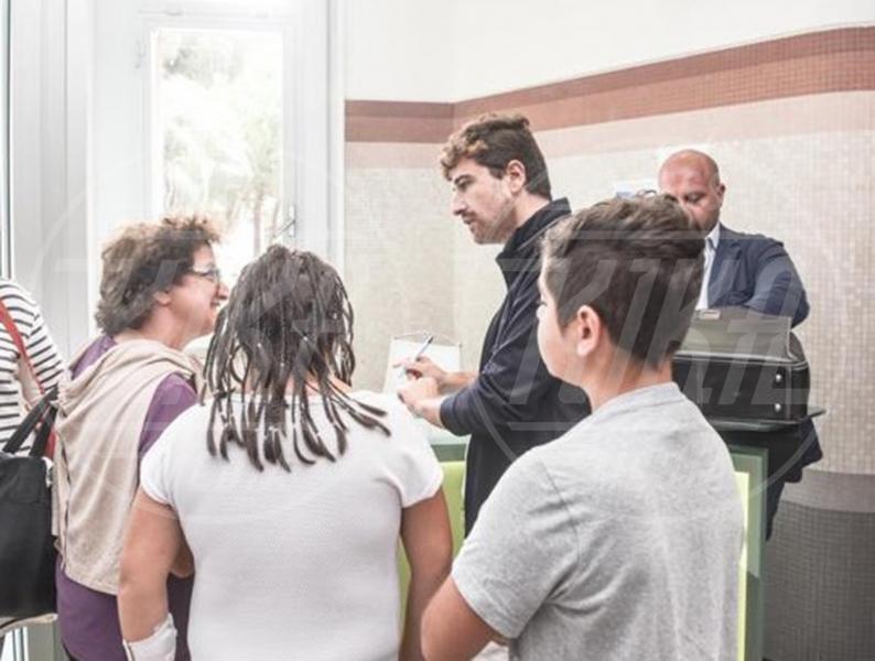 Ospedale Gaslini, Alessandro Siani - 11-09-2015 - Jovanotti, concerto a sorpresa per i piccoli pazienti del Meyer