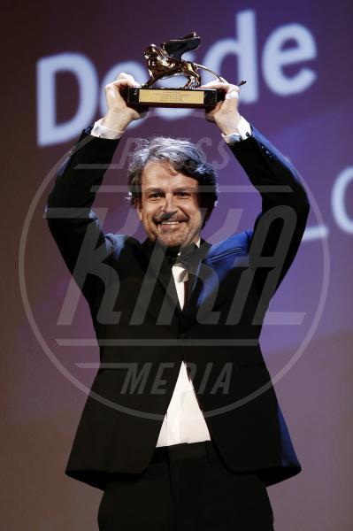 Lorenzo Vigas - Venezia - 12-09-2015 - Venezia 2015, la cerimonia della premiazione in foto