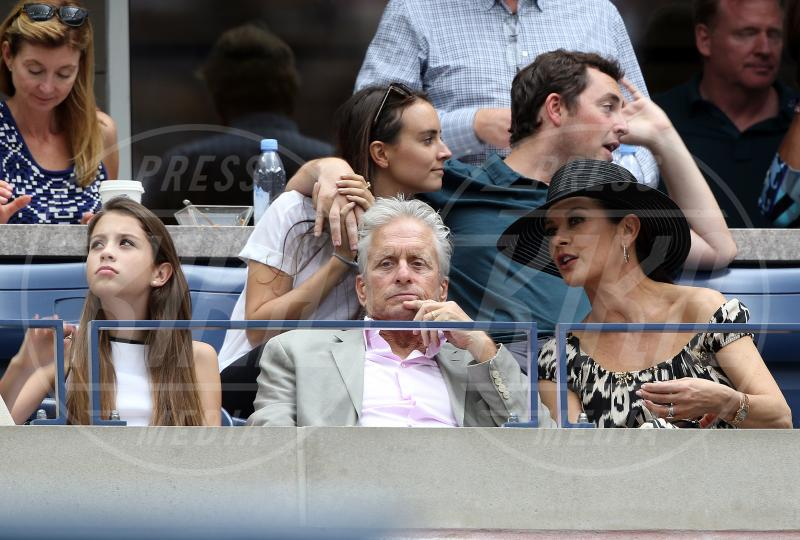 Carys Douglas, Catherine Zeta Jones, Michael Douglas - New York - 12-09-2015 - Us Open 2015: l'America ai piedi delle tenniste italiane