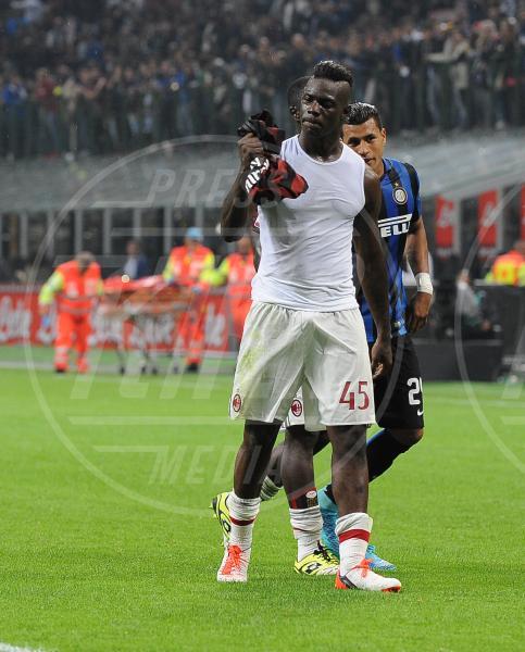 Mario Balotelli - Milano - 13-09-2015 - Balotelli si lamenta delle donne e il web lo sfotte