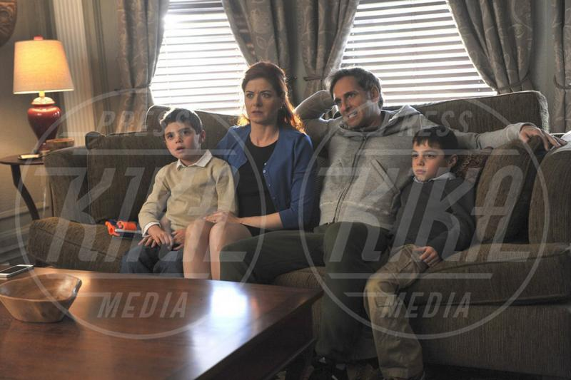 The Mysteries of Laura, Josh Lucas, Debra Messing - 14-09-2015 - Debra Messing torna in TV con The Mysteries of Laura