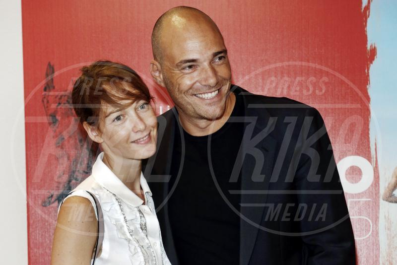Andrea Pezzi, Cristiana Capotondi - Milano - 18-09-2015 - Cristiana Capotondi, hot è la grappa per Di Padre in Figlia