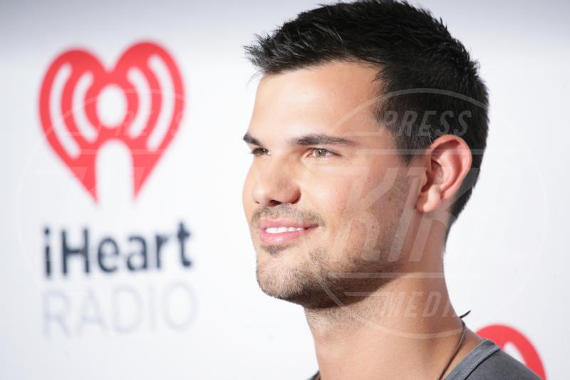 Taylor Lautner - Las Vegas - 18-09-2015 - Taylor Lautner nella seconda stagione di Scream Queens