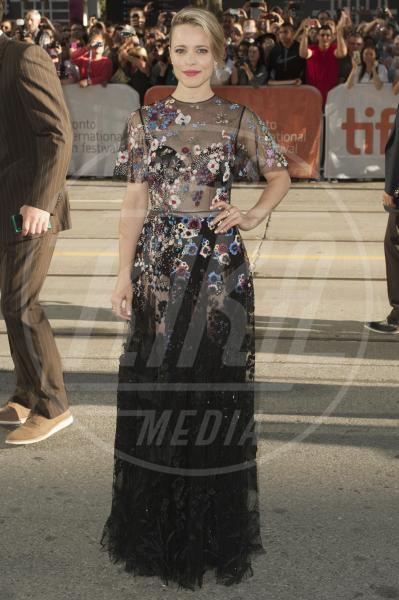 Rachel McAdams - Toronto - 15-09-2015 - Le celebrity? Sul red carpet e fuori sono regine di... fiori!