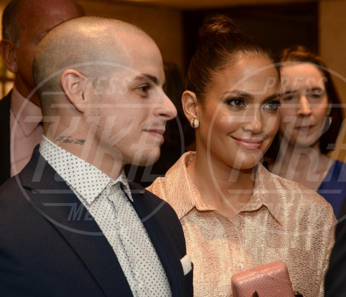 Casper Smart, Jennifer Lopez - New York - 25-09-2015 - Rihanna: epica reazione al selfie di Drake e J-Lo