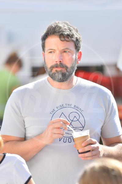 Ben Affleck - Santa Monica - 27-09-2015 - Star come noi: d'estate non possono fare a meno di un gelato
