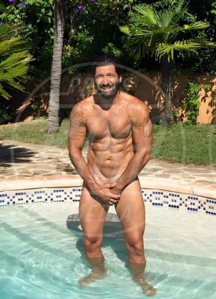 Walter Nudo - 02-10-2015 - Estate 2019: gli uomini più muscolosi dello showbiz