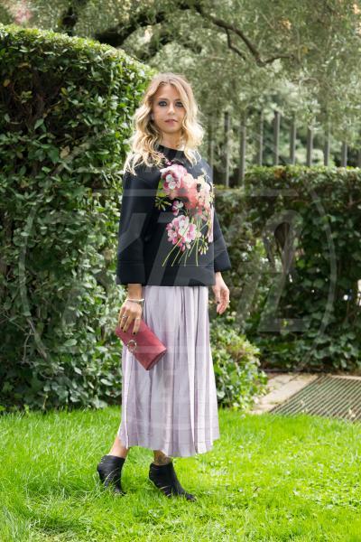 Myriam Catania - Roma - 02-10-2015 - Le celebrity? Sul red carpet e fuori sono regine di... fiori!