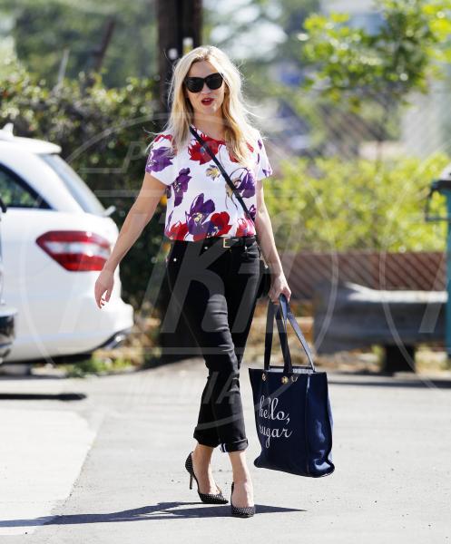 Reese Witherspoon - Los Angeles - 08-10-2015 - Le celebrity? Sul red carpet e fuori sono regine di... fiori!