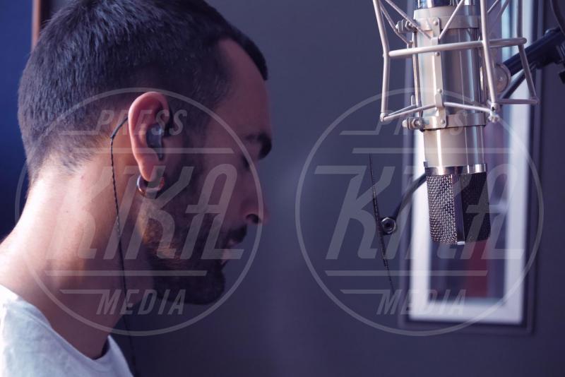 Marco Mengoni - Los Angeles - 09-10-2015 - Le star sui social: il nudo di Bieber fa impazzire il web