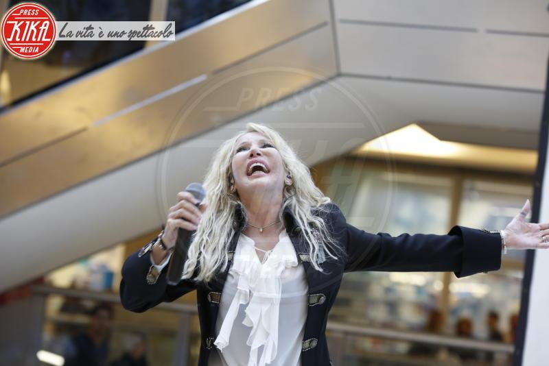 Ivana Spagna - Milano - 10-10-2015 - Robbie Williams & Co: le star che credono ai fantasmi