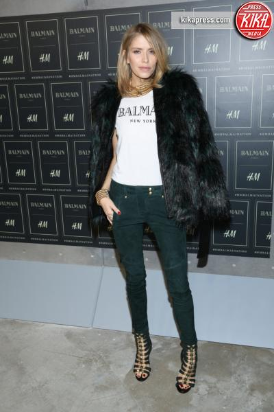 Elena Perminova - New York - 20-10-2015 - Gigi Hadid è una dama in nero al lancio di Balmain per H&M
