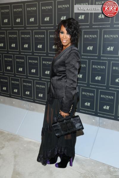 June Ambrose - New York - 20-10-2015 - Gigi Hadid è una dama in nero al lancio di Balmain per H&M