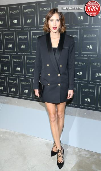 Alexa Chung - New York - 20-10-2015 - Gigi Hadid è una dama in nero al lancio di Balmain per H&M