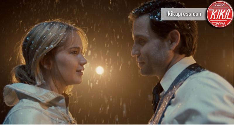 Jennifer Lawrence - Los Angeles - 22-10-2015 - Jennifer Lawrence, rilasciato il nuovo trailer di Joy