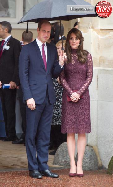 Principe William, Kate Middleton - Londra - 21-10-2015 - Chi lo indossa meglio: Kate Middleton o Caitriona Balfe?