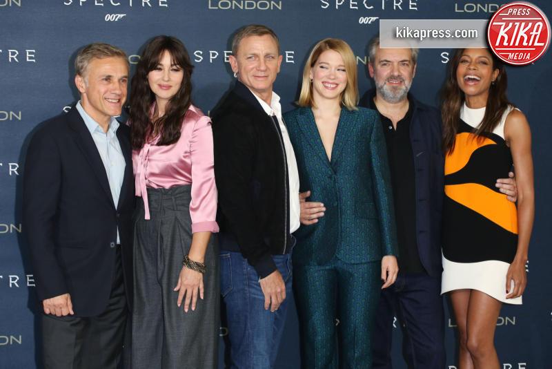 Christoph Waltz, Lea Seydoux, Naomie Harris, Sam Mendes, Daniel Craig, Monica Bellucci - Londra - 22-10-2015 - Bellucci, Harris e Seydoux: ecco l'evoluzione delle Bond girl