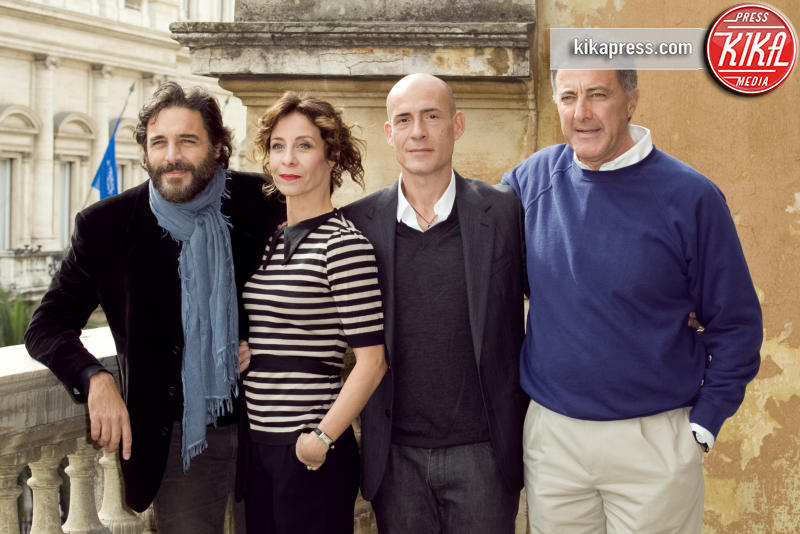 Carlotta Natoli, Gianmarco Tognazzi, Daniele Pecci, Luca Barbareschi - Roma - 26-10-2015 - Carlotta Natoli è pronta a risolvere I Misteri di Laura