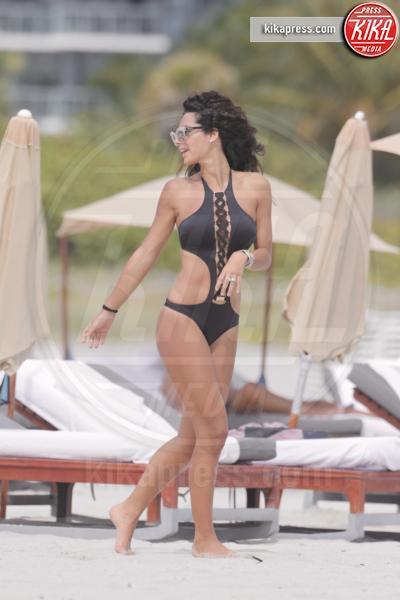 Raffaella Modugno - Miami - 29-10-2015 - Estate 2018: Bikini, trikini, intero, qual è il costume per te?