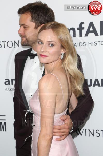 Diane Kruger, Joshua Jackson - Los Angeles - 29-10-2015 - Joshua Jackson, la nuova fiamma è la fotocopia di Diane Kruger