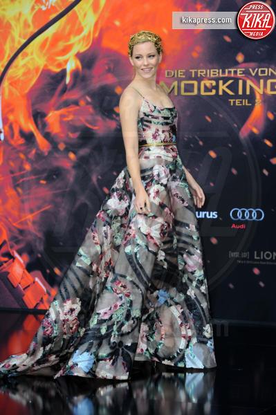 Elizabeth Banks - Berlino - 04-11-2015 - Le celebrity? Sul red carpet e fuori sono regine di... fiori!