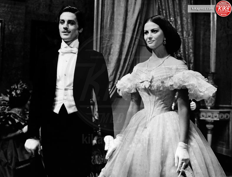 Alain Delon, Claudia Cardinale - - - 01-03-2011 - Cannes corregge Claudia Cardinale a colpi di Photoshop