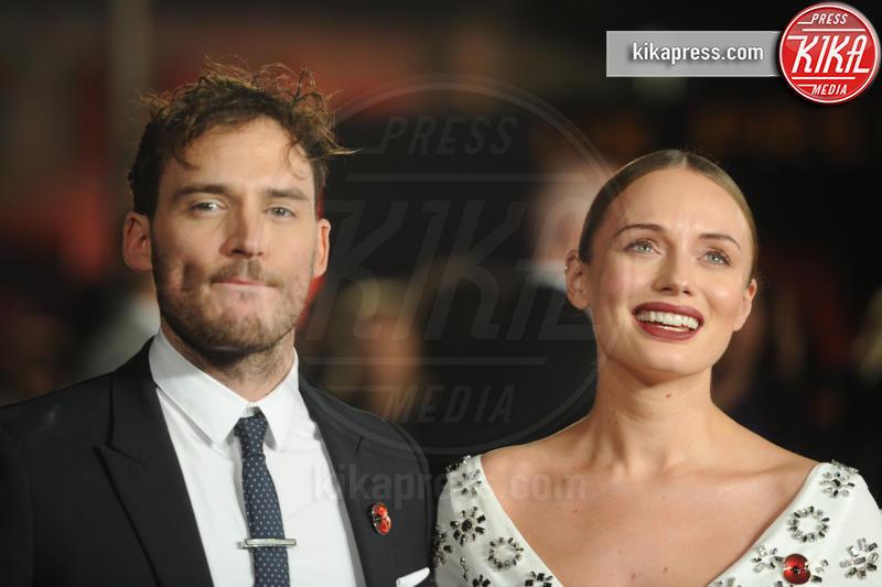 Laura Haddock, Sam Claflin - Londra - 05-11-2015 - Jennifer Lawrence, da impacciata a femme fatale