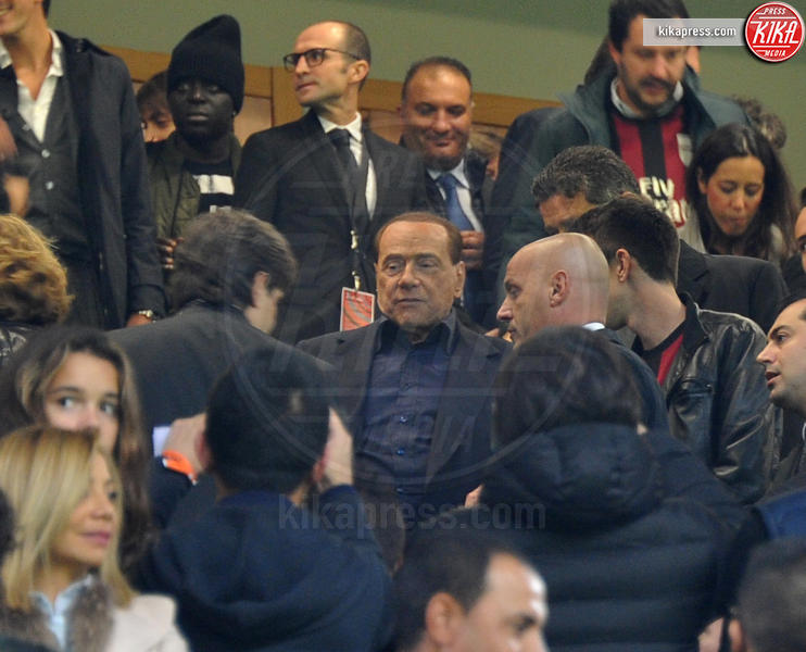 Silvio Berlusconi - Milano - 07-11-2015 - McDonald's: al tavolo c'è Silvio Berlusconi
