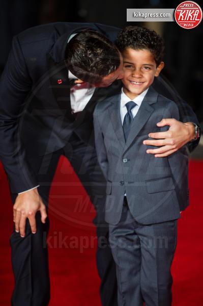 Cristiano Ronaldo jr., Cristiano Ronaldo - Londra - 09-11-2015 - CR7 e il figlio Cristiano in versione modelli spopolano sul web