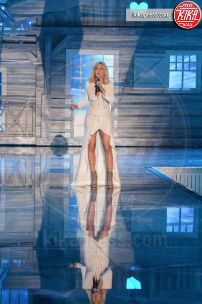 Ellie Goulding - Queens - 11-11-2015 - Victoria's Secret Fashion Show, 20 anni di angeli in lingerie