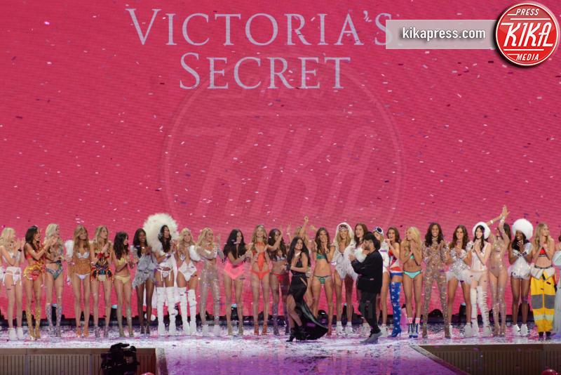 Atmosphere - Queens - 11-11-2015 - Victoria's Secret Fashion Show, 20 anni di angeli in lingerie
